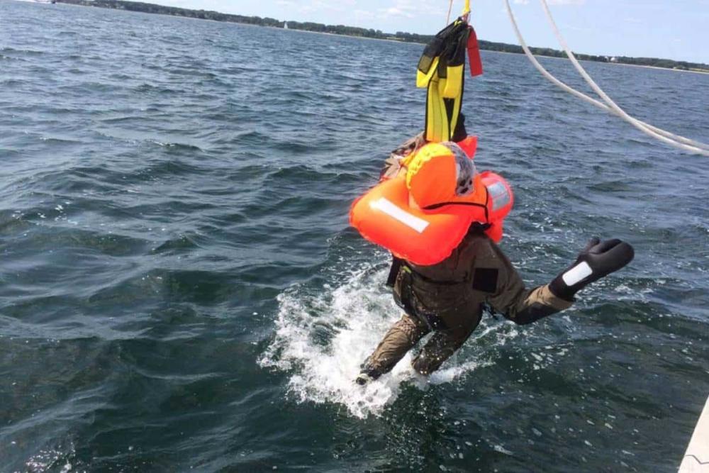 Mensch-über-Bord-Bergung