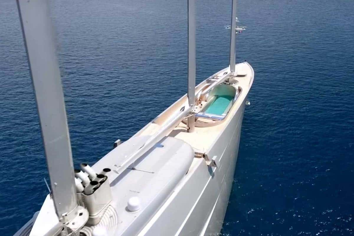 Segelyacht A