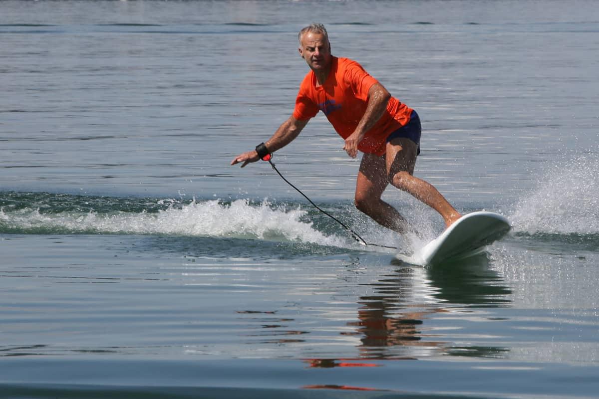 elektrisch surfen mit Waterwolf