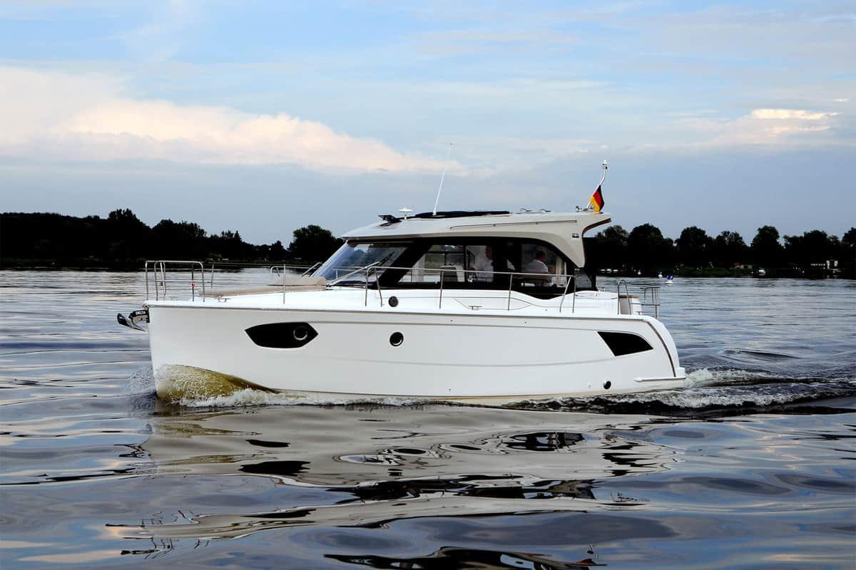 Die besten Reiseboote 2017: Bavaria E 34 Sedan