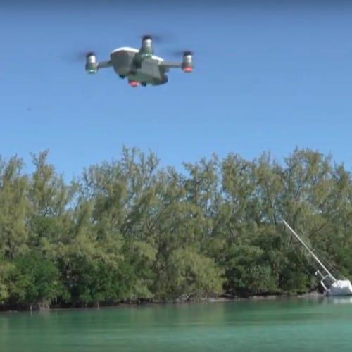 Raymarine Axion steuert Drohne © FLIR