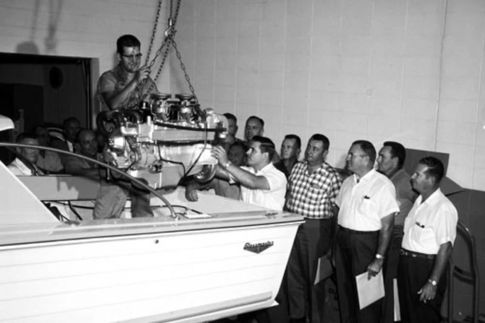 1961: Der erste Z-Antrieb mit über 100 PS