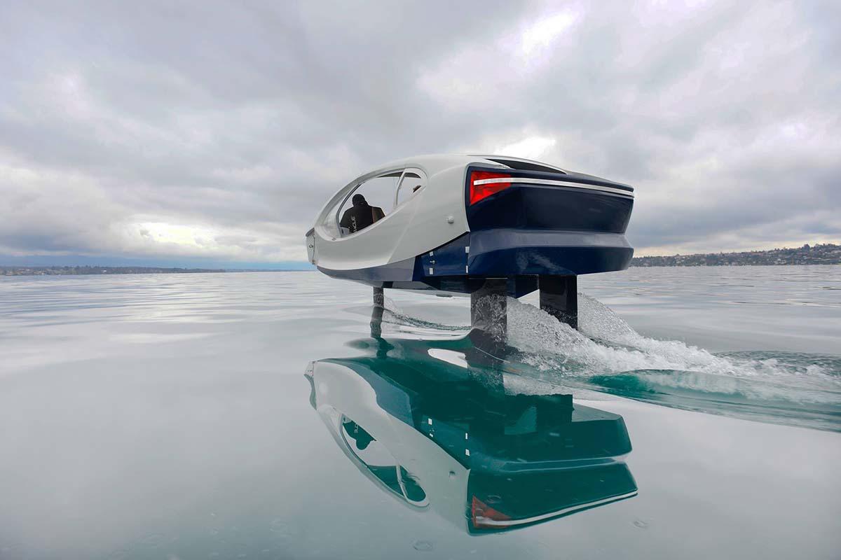 Die Sea Bubbles-Fahrzeuge können 40-50 km/h schnell foilen