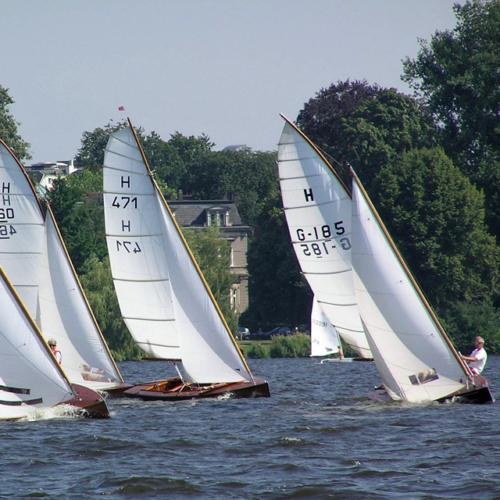 Gaffelgetakelte Boote bei den Hamburg Summer Classics