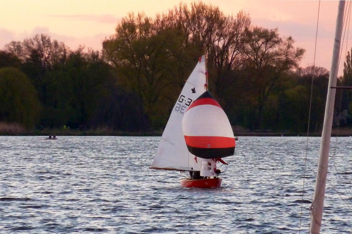 Der restaurierte Puschen segelt wieder auf der Alster © Michael Krieg