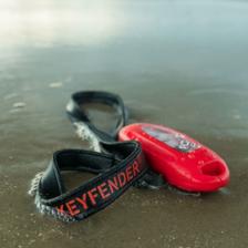 Schwimmt, ist auffällig und funktioniert in geschlossenem Zustand © Keyfender