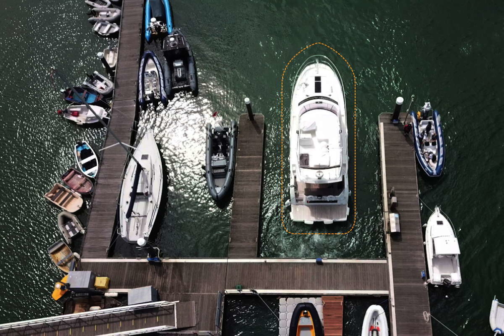Anlege-Schutz per Kamera mit Dock Sense © Raymarine