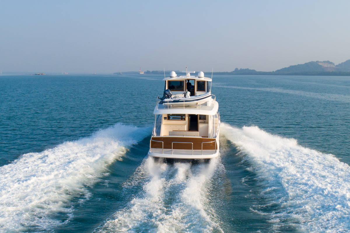Der Rumpf der neuen Trawler-Yacht GB 60 ist mit einer Carbonauflage verstärkt