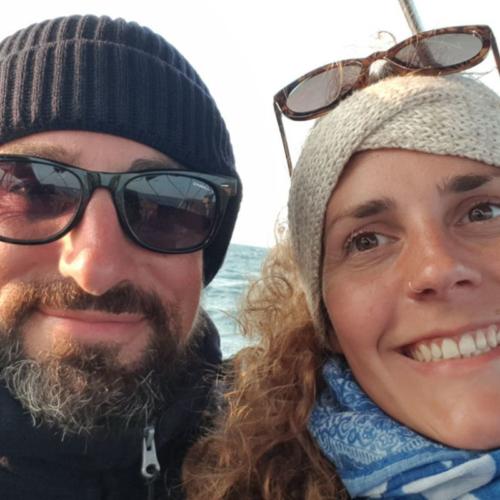 Johanna und Norman an Bord ihrer Comar © Pure Life Sailing