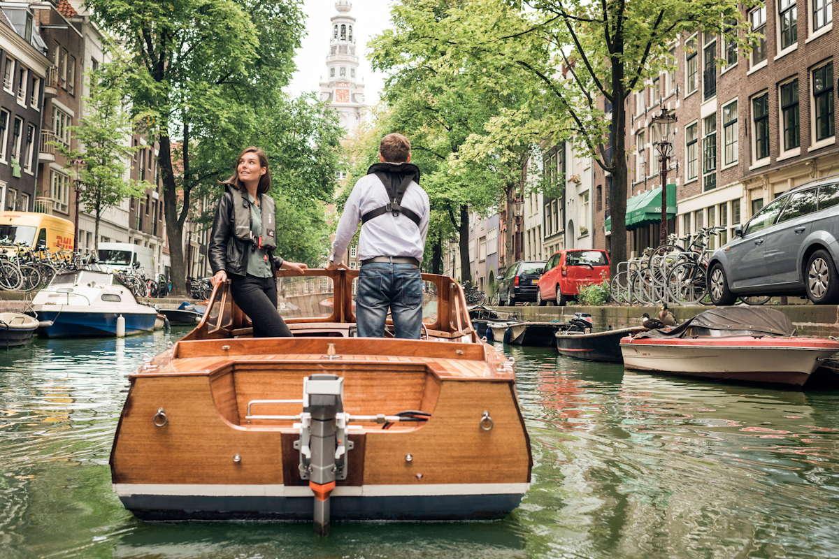 Darf noch: Elektroboot in Amsterdam