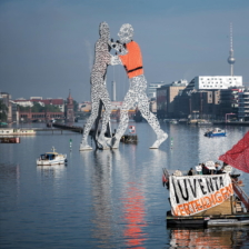 Spektakuläre Aktion gegen die Migrationspolitik der EU © Seebrücke