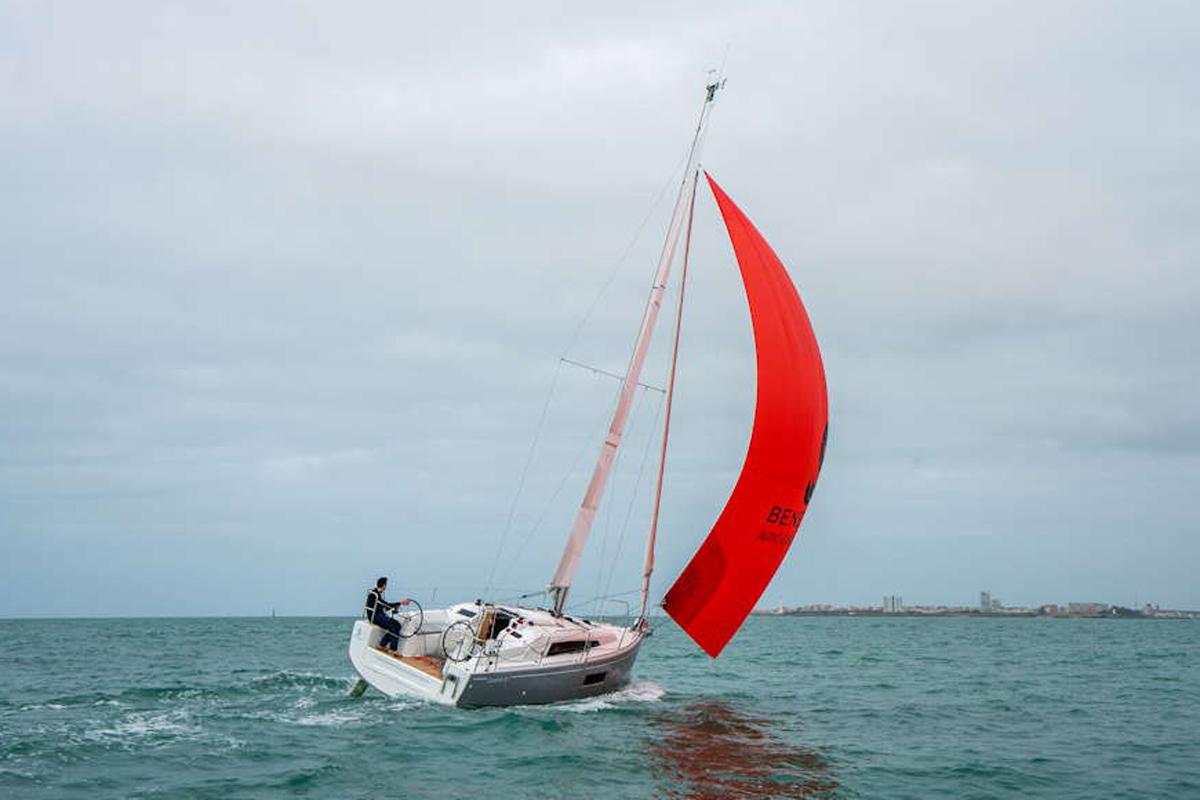 Knapp neun Meter ist die Oceanis 30.1 lang © Werft