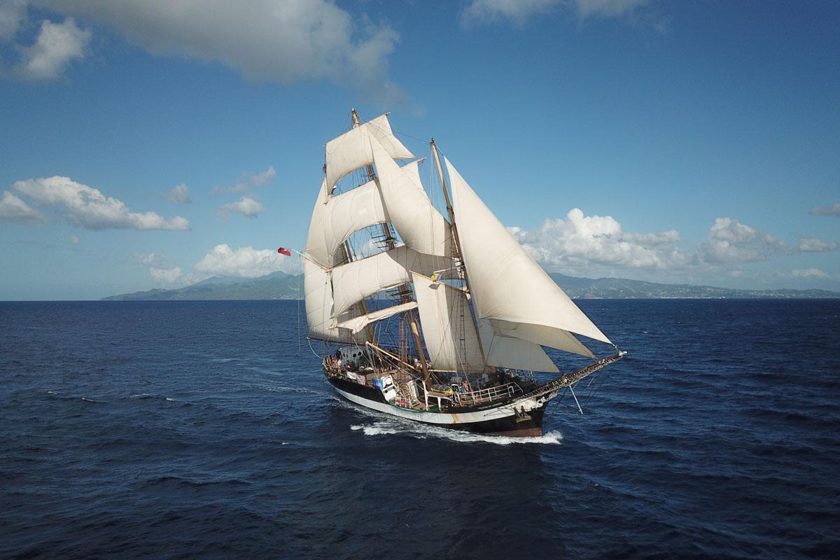 Die 72 Jahre alte Pelican war ursprünglich ein Fischerboot, 1968 wurde sie zum Schulsegler umgebaut