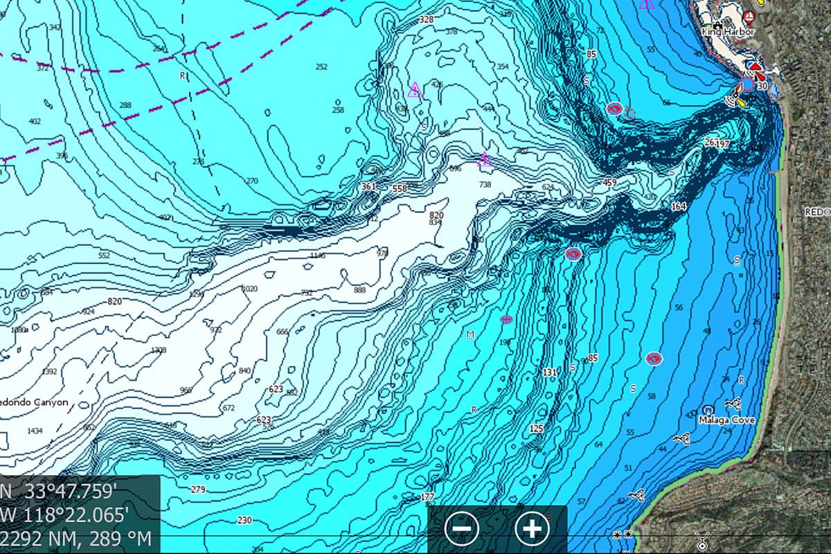Wetterkarte mit Tiefenlinien auf dem Display der Profi-Serie NSS Evo3