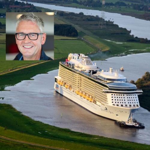 Wolfgang Thos bugsiert die neuen Kreuzfahrtschiffe der Meyer Werft über die schmale Ems zum Meer