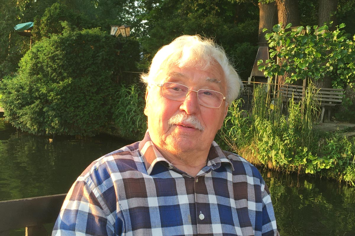 Hans Wax, Stasi-Agent und Bootsbauer in der DDR