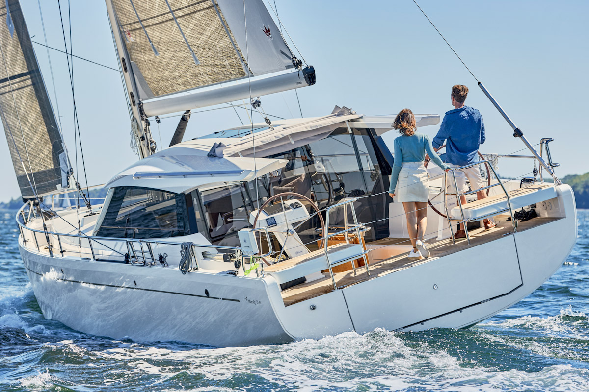 Neue Decksalon-Segelyacht Moody 41 DS