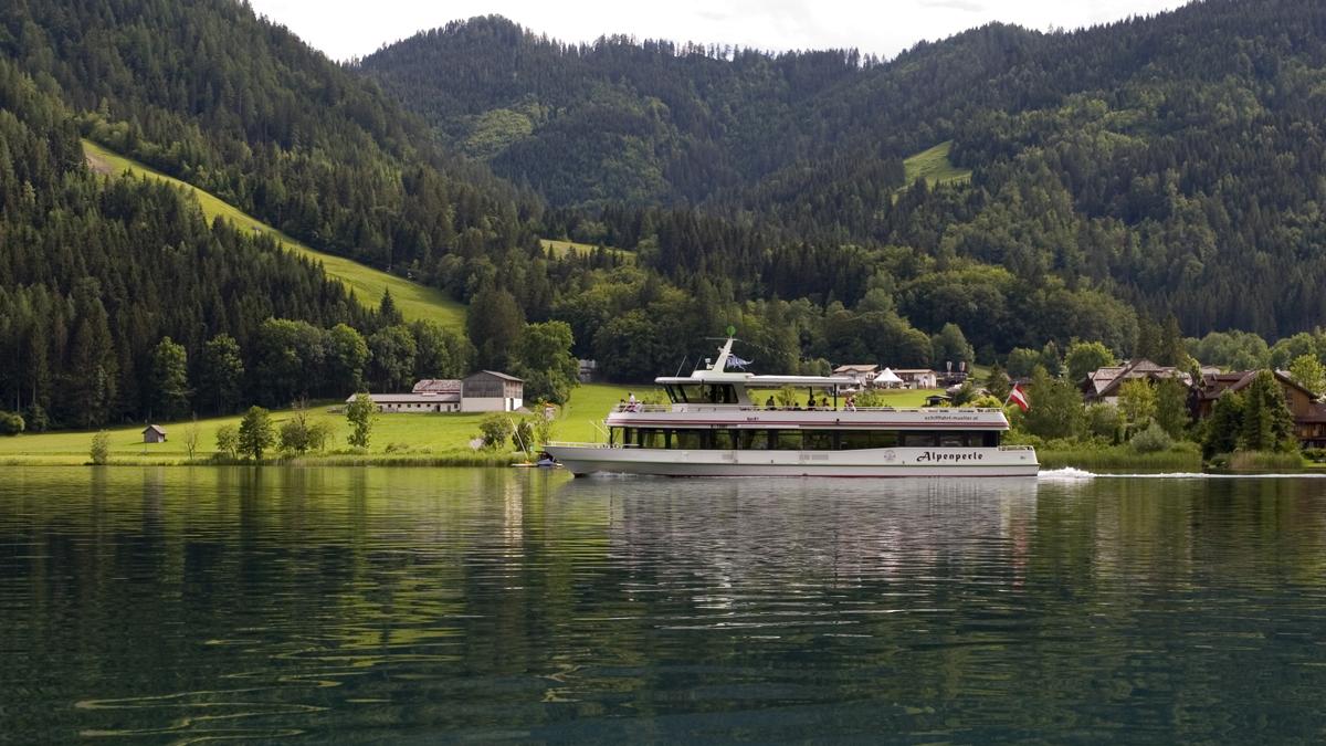 MS Alpenperle der Reederei Müller auf dem Weissensee/Kärnten hat Hybridantrieb © Wildberg
