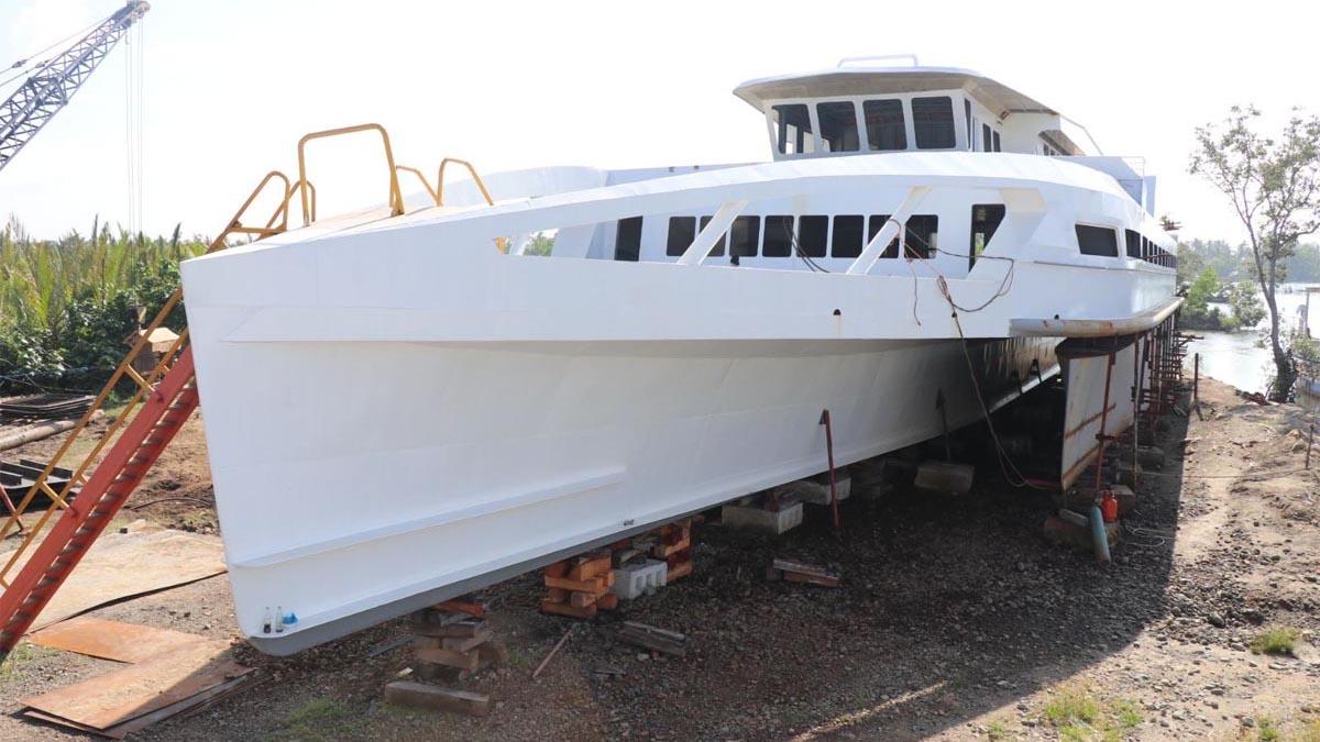 Der philippinische Hybrid-Trimaran ist das erste Schiff, das mit Hilfe von Wellenenergie fährt © DOST