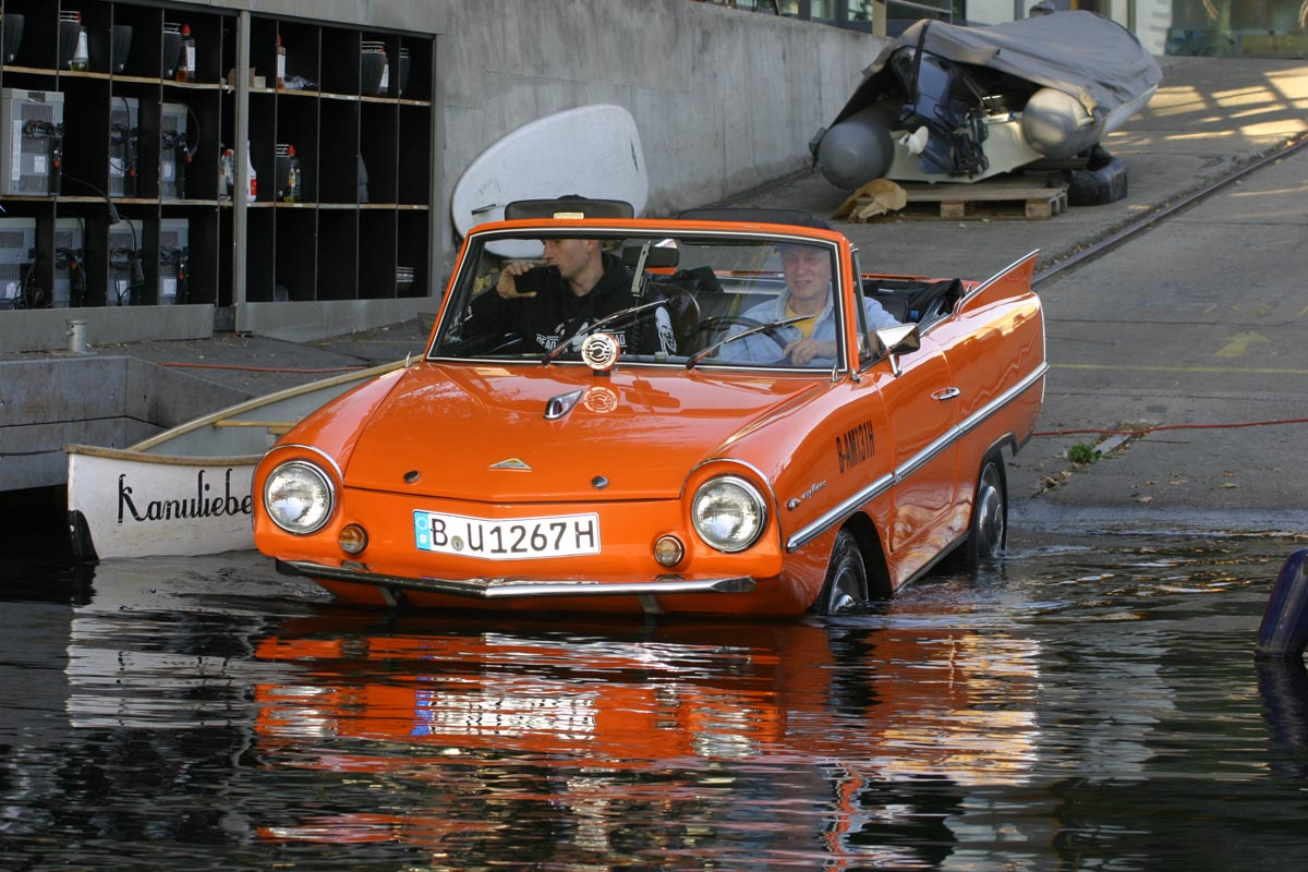 Amphicar in Berlin © Roland Wildberg