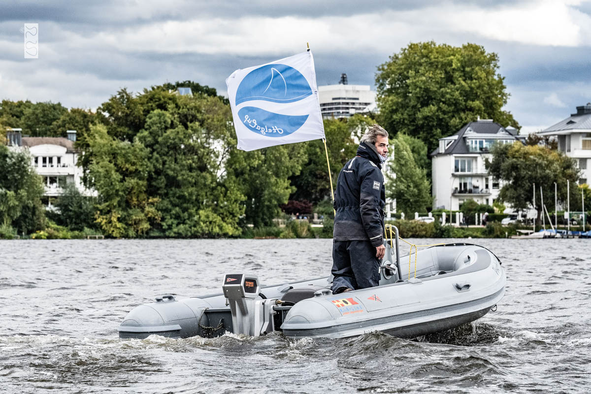 Begleitboot mit Elektroantrieb