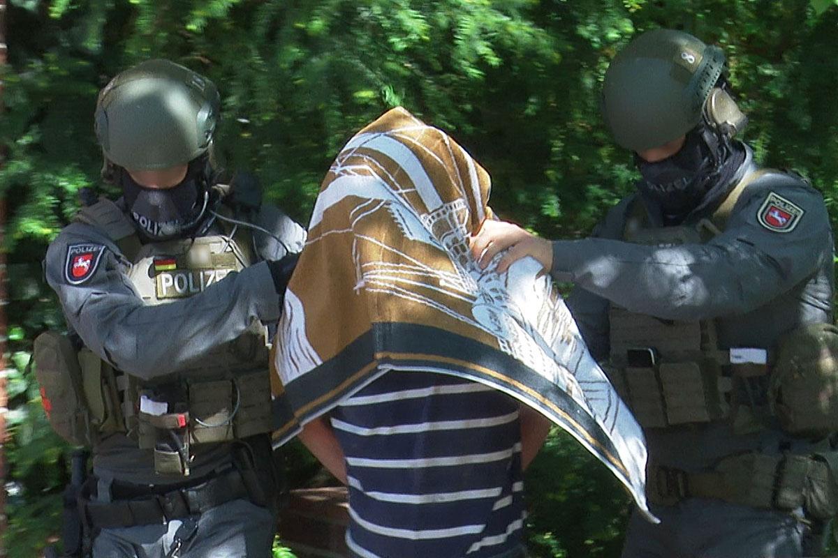 Christoph H.wird im Haus seiner Mutter auf dem Dachboden verhaftet