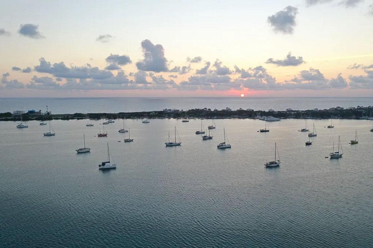 Segler vor Isla Mujeres