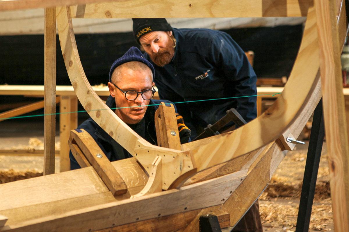 Bootsbauer Ture Moller und der Lehrer und Skipper Carsten Hvid
