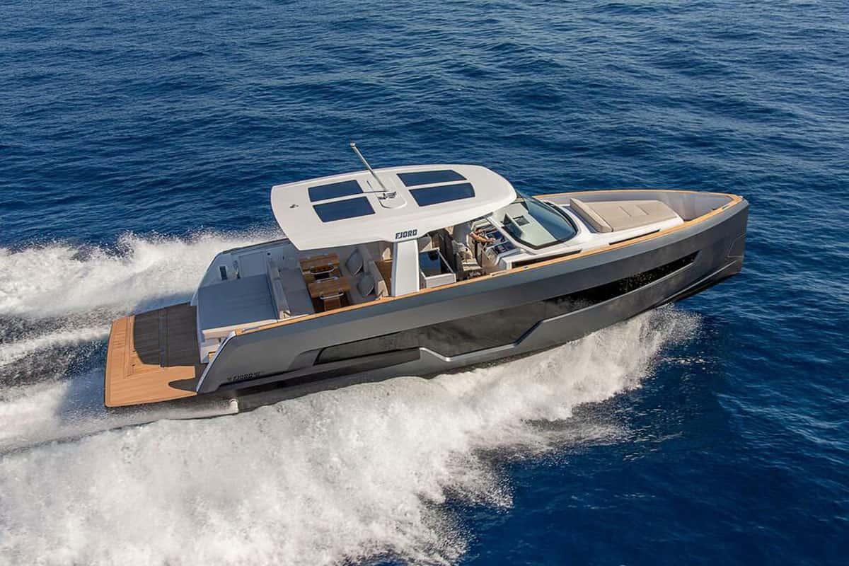 Die neue Fjord 41 XL auf dem Wasser
