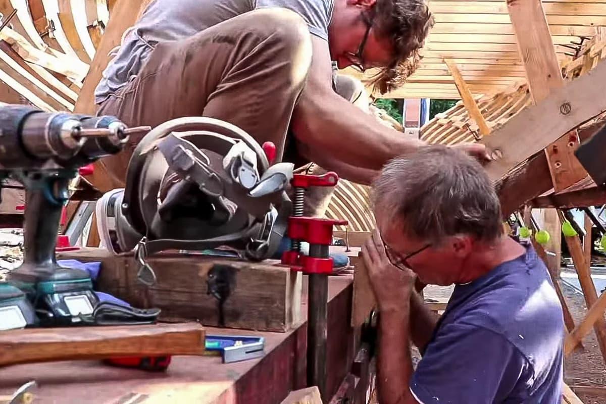 Volunteers helfen beim Wiederaufbau der Tally Ho