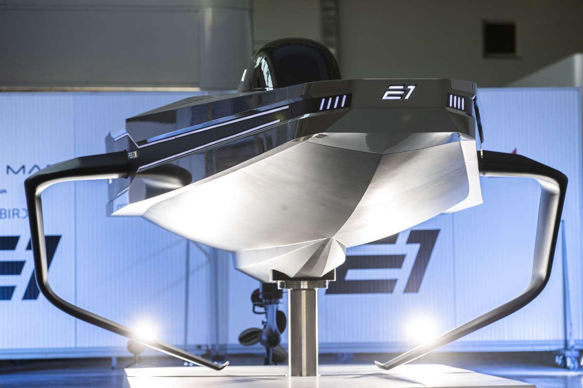 Mit Mercury-Motor Seabird E1