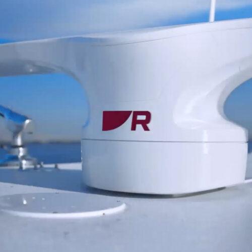 Die Antenne von Cyclone verkraftet bis zu 100 Knoten Windgeschwindigkeit © Raymarine